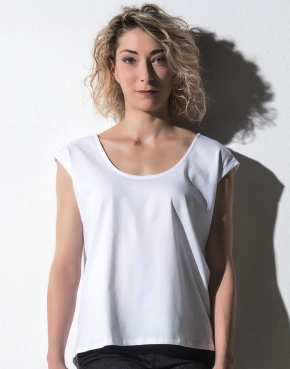 Ruby - Women's Fashion T-Shirt